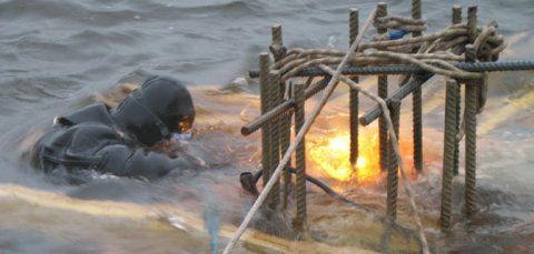 Underwater metal welding